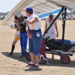 Helpers dress funny to help pilots to relax in the last day - Оделись клоунами, чтобы пилоты немного расслабились в крайний день