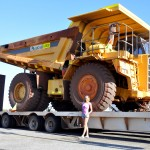 Huge OZ car - Громадная австралийская машина