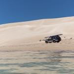 The white sands of Seven Mile Beach - Белоснежная красота Семимильного пляжа