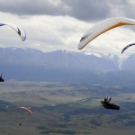 Paragliders on route - Парапланеристы на маршруте