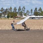 Wind pushing the glider ober the field ~ Ветер помогает перевести аппарат через поле