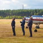 Pilots watching other contestants ~ Пилоты следят за конкурентами