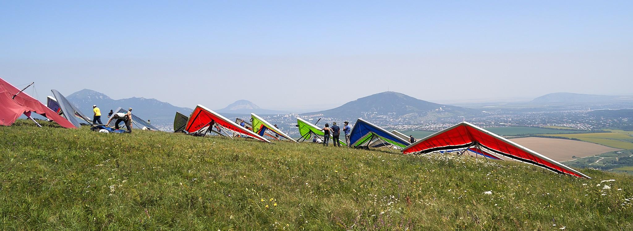 Hang gliders at the Russsian Cup'21 in Yutsa ~ Дельтапланы на Кубке России'21 на Юце